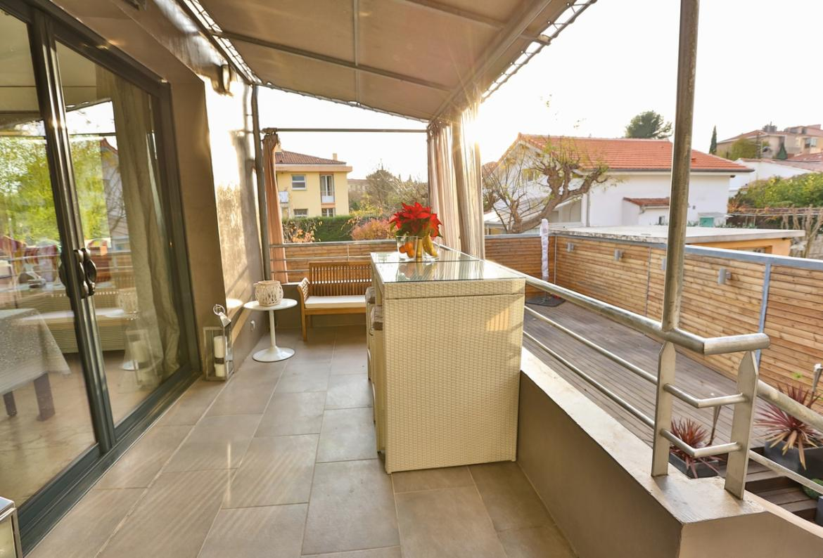 3 bedroom holiday rental villa with Pool in South of France
