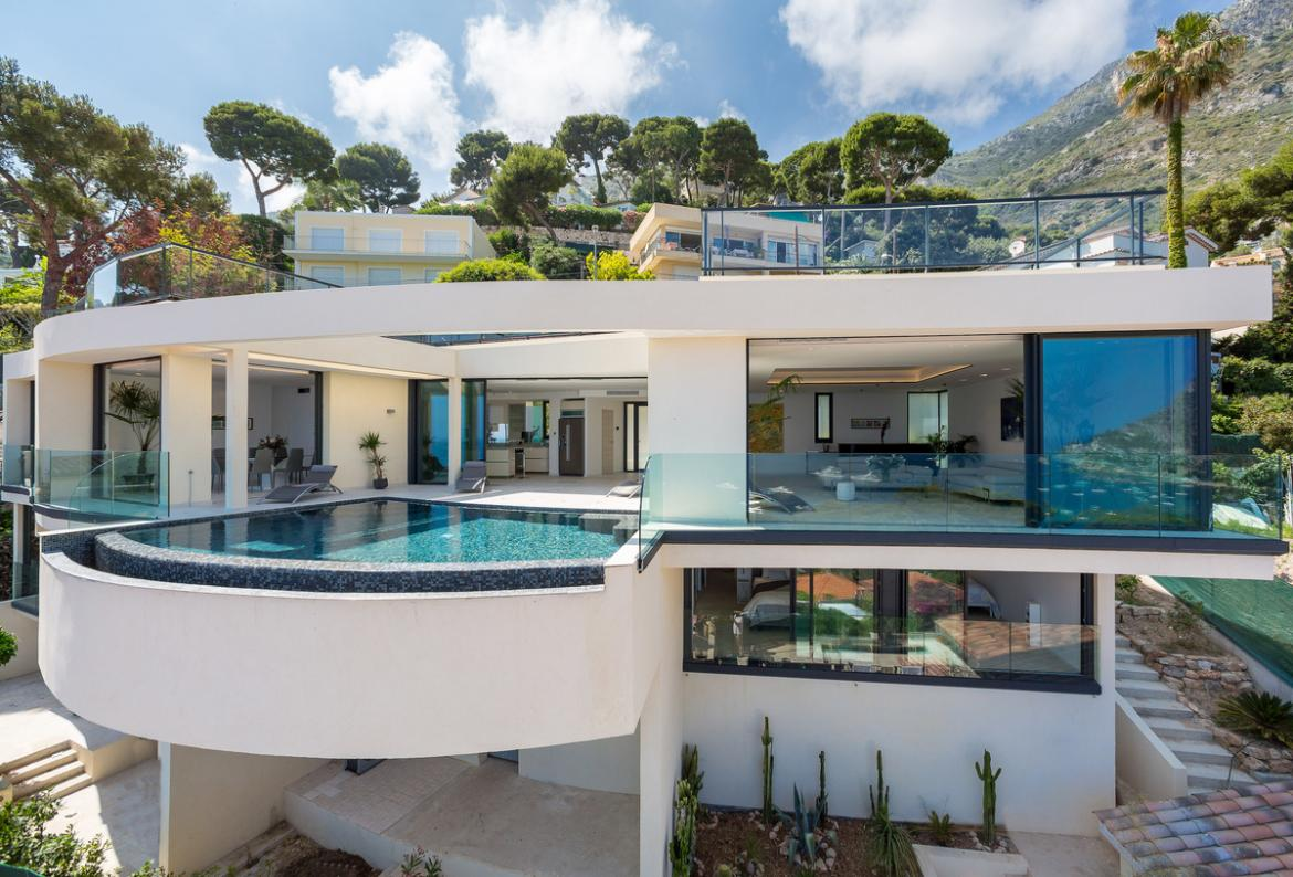 Unrivalled 5 bedroom luxury villa in Eze with infinity pool and stunning seaviews  (EZE102SB)