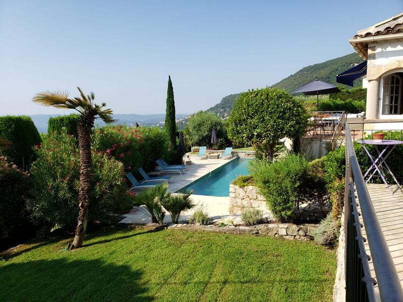 Beautiful luxurious villa located close to Grasse, with a private heated pool, large garden & terrace. Sleeps 8. (MAGA101)