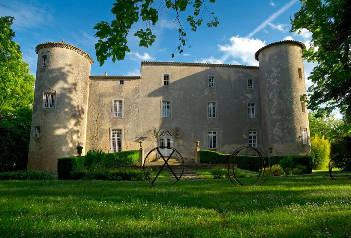 A majestic 13th century Cathar castle in 4 hectares of parkland and gardens with swimming pool, sleeps up to 28. (MIRE101)