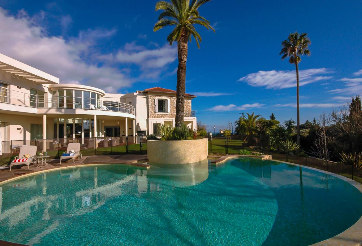 Beautiful Architect Designed Villa Hidden In The Hills Above Monte Carlo  With Private Infinity Swimming Pool