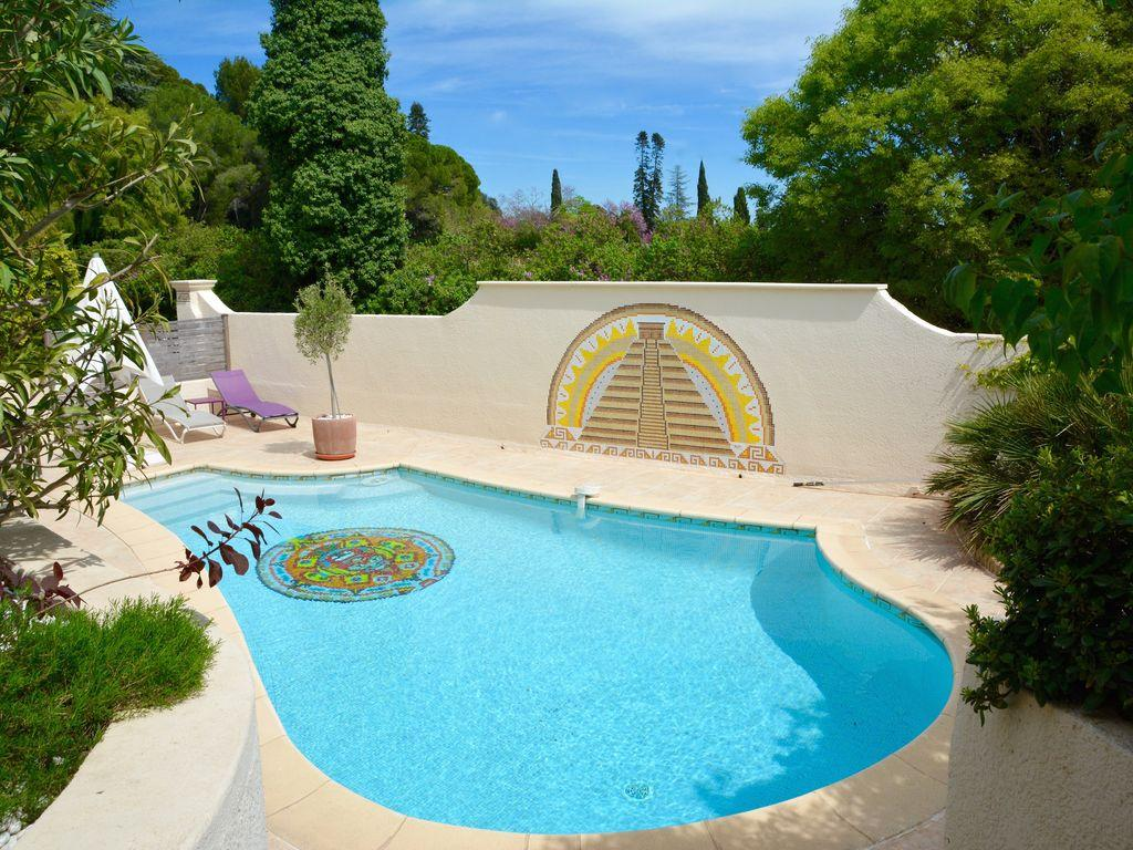 Stylish, Family Friendly Villa In Montpellier. Five Bedrooms, Sleeps 8  (MONT123GN