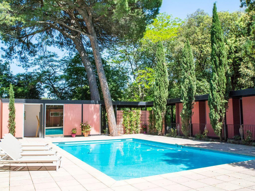 Beautiful And Sunny Architect Designed House, Located In A Quiet Residence  In Montpellier With Garden