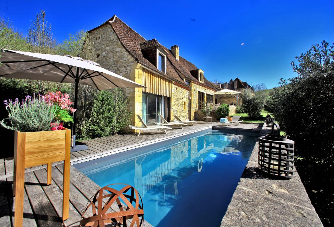 Beautifully Restored House with Private Pool in Périgord Noir. 3 bedrooms, to sleep 6 (MTGC103)