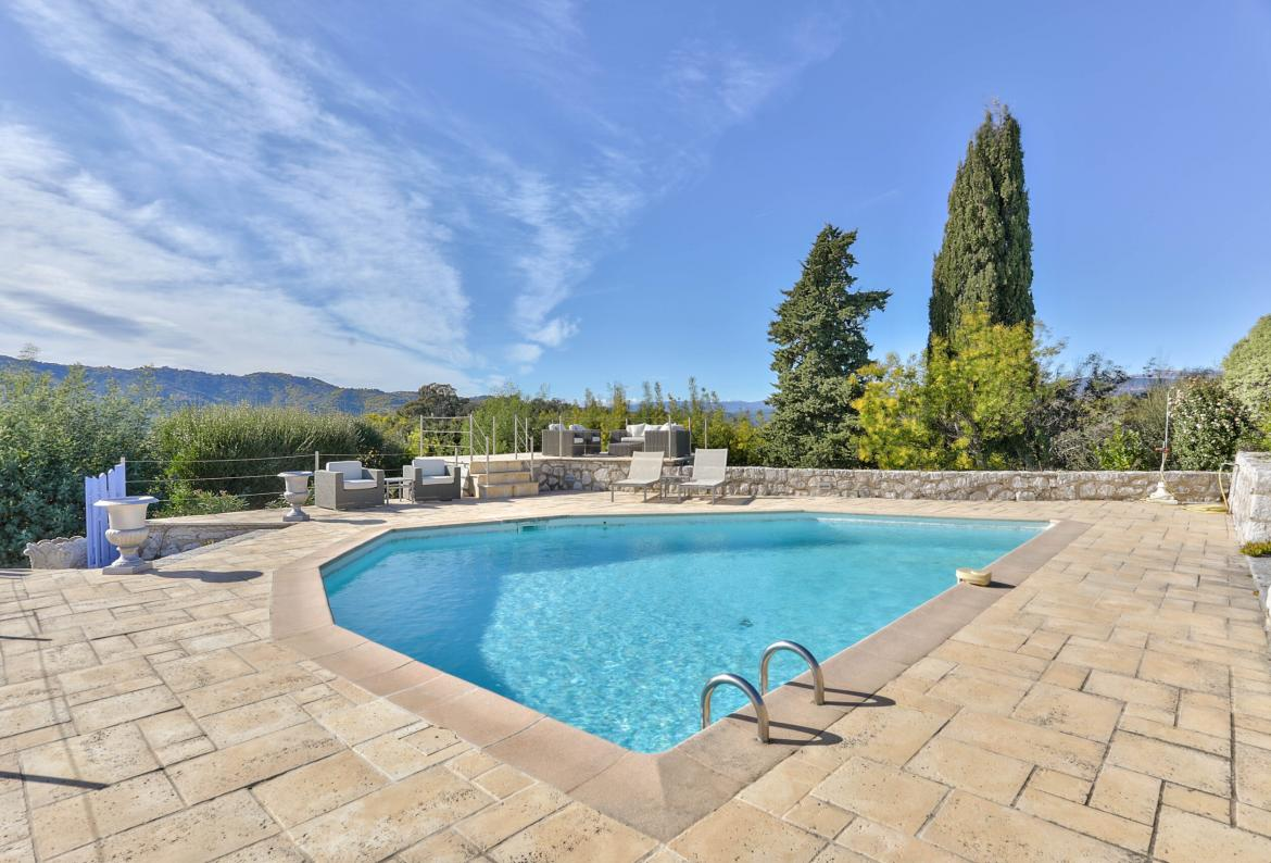 Superb Hilltop Villa with Annexe and Pool. 4 bedrooms to sleep 8 (PEGO101)