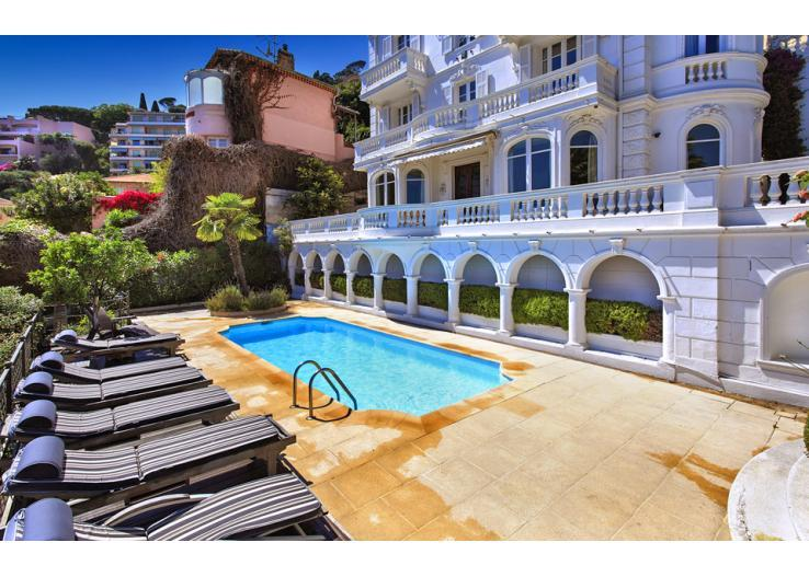 Opulent, Luxury Villa overlooking Villefranche. 6 bedrooms, sleeps 13 (VFSM107OL)