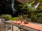 One bedroom Cottage with Pool and Garden (LESCA101)