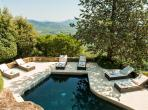 Luxury hilltop villa overlooking Gulf of St. Tropez with marvellous private pool, sleeps between 5 and 8 (STPZ127)