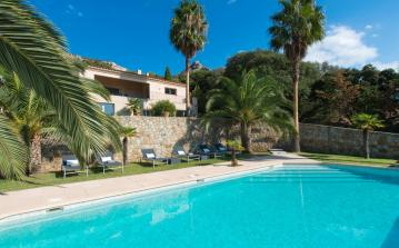 Luxury Villa with Gorgeous Views and independent studio. 6 bedrooms to sleep 13 guests. (CALV105NP)