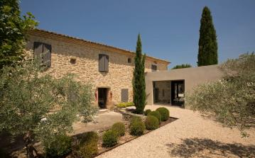 Luxury House near Carpentras with Tennis and Pool. 6 bedrooms, sleeps 12 (CARP102EE)