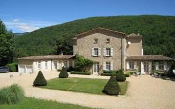 Country House with Large Pool and Grounds. 6 bedrooms, sleeps up to 10 and baby (CEVE103)