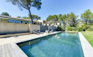 Set in the nature of Le Tholonet, beautifully decorated with artists taste, private swimming pool, secluded and all amenities. Sleeps 12 in 6 bedrooms (LETH102SB)