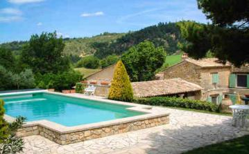 Gorgeous Old Provencal Farmhouse with Large Pool, Tennis. 7 bedrooms, sleeps 14 (LUB107)