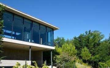 Stunning Contemporary Villa near Montpellier. 4 bedrooms, sleeps 8 (MONT118GN)