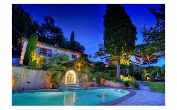 MOUG106OL - Luxury Villa with Heated Pool, near Mougins. Sleeps 16, 8 bedrooms