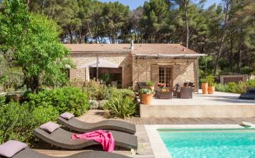 Luxury stone built Provencal villa with pool in Pernes-les-Fontaines, Provence - Sleeps 10 (PLF103PV)