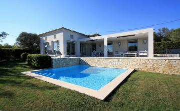 Newly Built Villa with Stunning Bay Views. 6 bedrooms, sleeps 12 (RAM126HR)