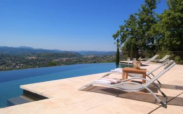 Stunning Luxury Villa with Heated Infinity Pool and Jacuzzi. Sleeps up to 14, 6 bedrooms.  (SPE103)