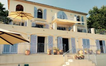 STMX112D - Big and luxurious 3 bedroomed house with private swimming pool, sleeps 6.