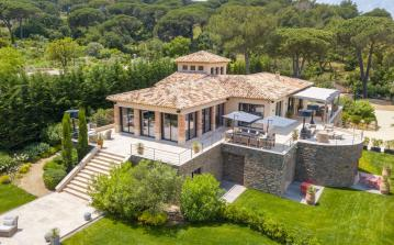 Luxury Villa with Pool and Helipad. Seven bedrooms (STPZ153HR)