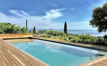 Beautiful 6 bedroom luxury villa, elegant extra large mirror swimming pool, sleeps 12 (STPZ169HR)
